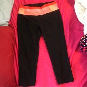 Black leggings w pink detail